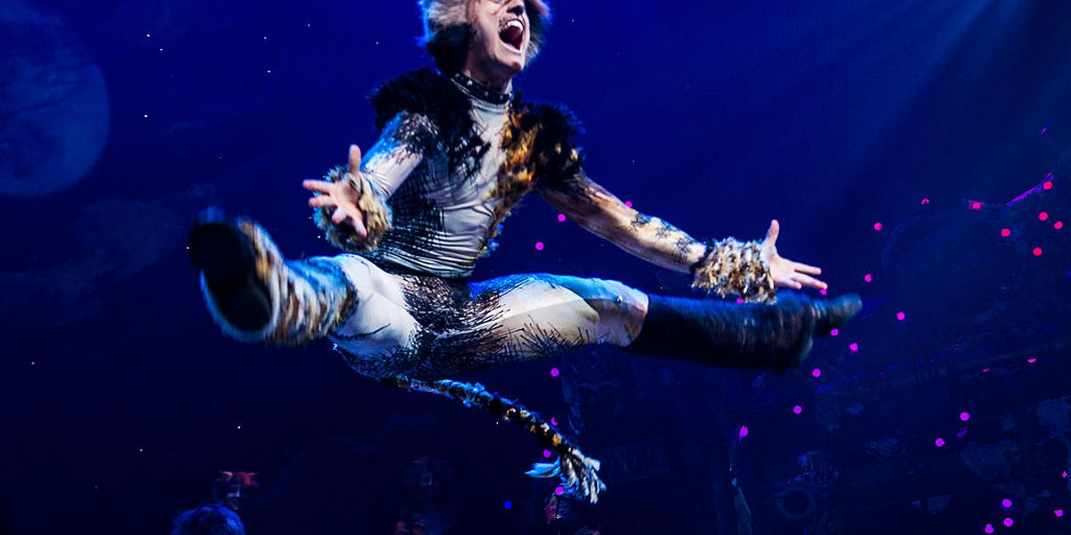 See the trailer for the live action 'CATS' movie