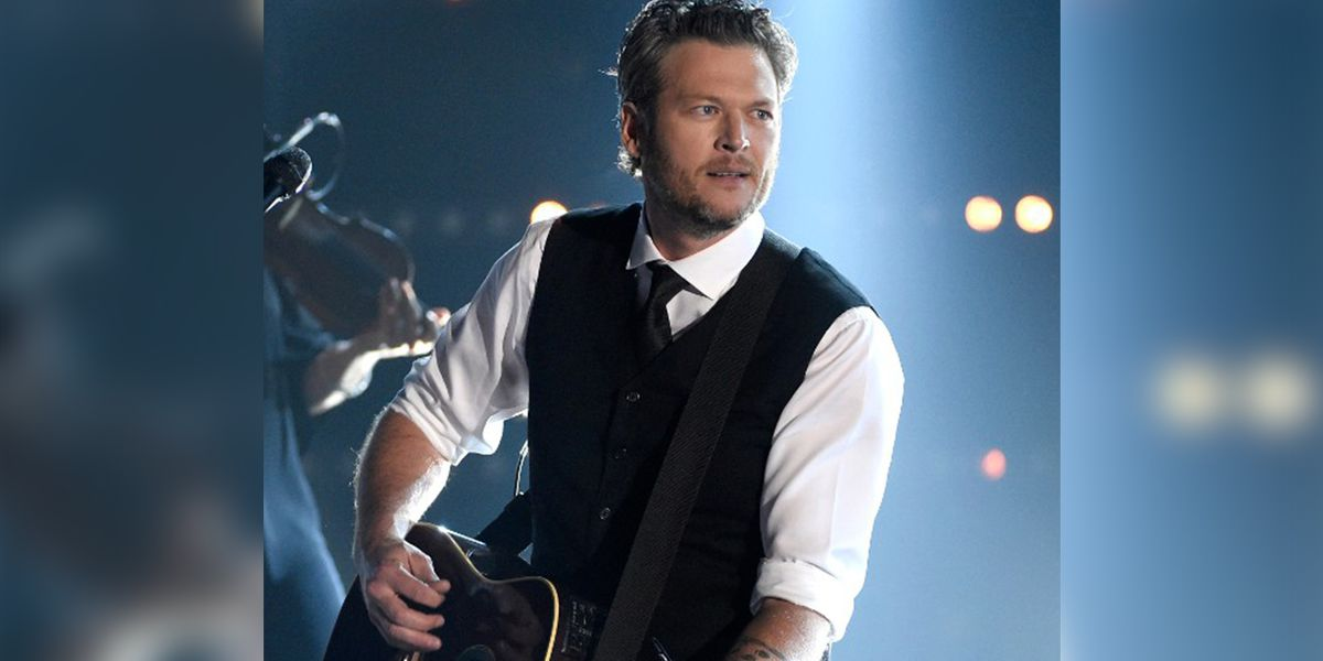 Oklahoma parent finds Blake Shelton's name in daughter's 1980s-era textbook