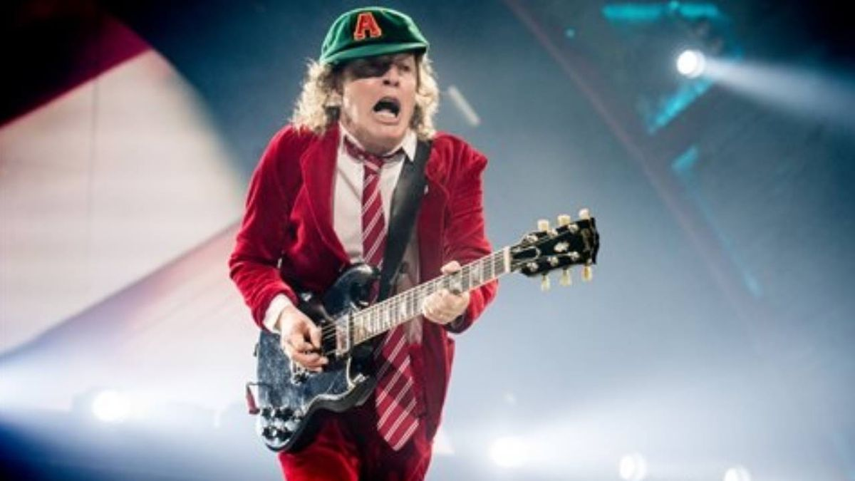 Thunderstruck: Dad records baby's noises for a year, turns it into video of AC/DC song