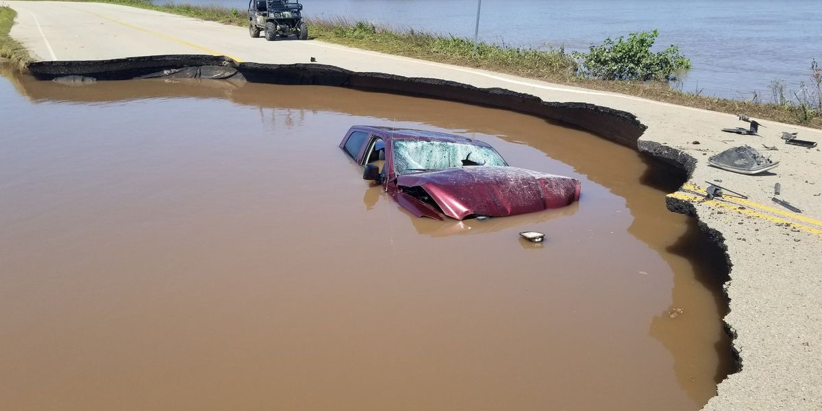 OHP: Driver crashed into Pawnee County sinkhole after going around road blocks