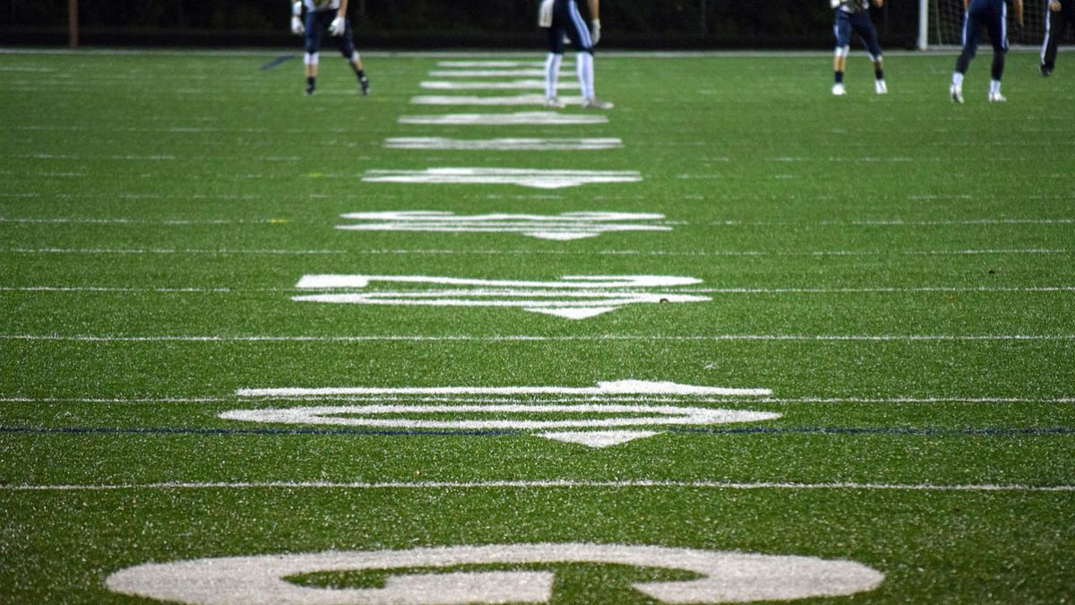 Oklahoma high school football player collapses on field, dies at hospital