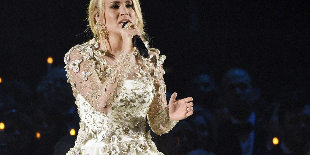 Carrie Underwood shares support for Oklahoma teachers
