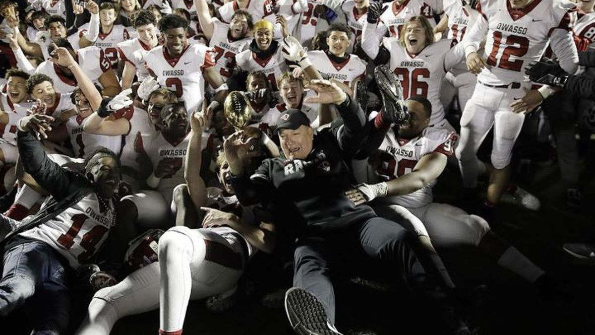 Owasso beats Jenks 14-6 to complete first perfect season, win state title