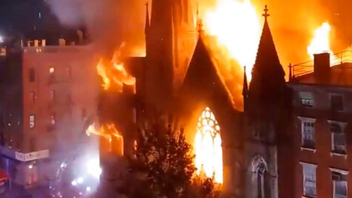 Early morning fire destroys church housing New York's Liberty Bell