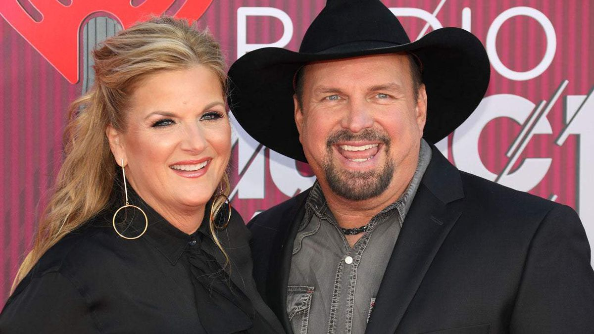 Garth Brooks and Trisha Yearwood quarantined after potential exposure to COVID-19