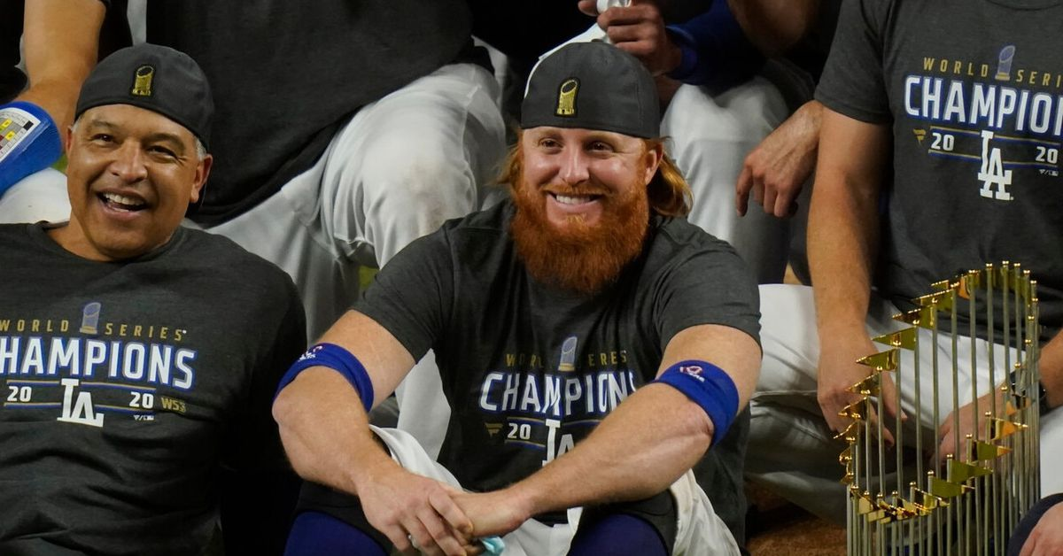 Coronavirus: MLB says Dodgers' Justin Turner broke rules after Dodgers won title