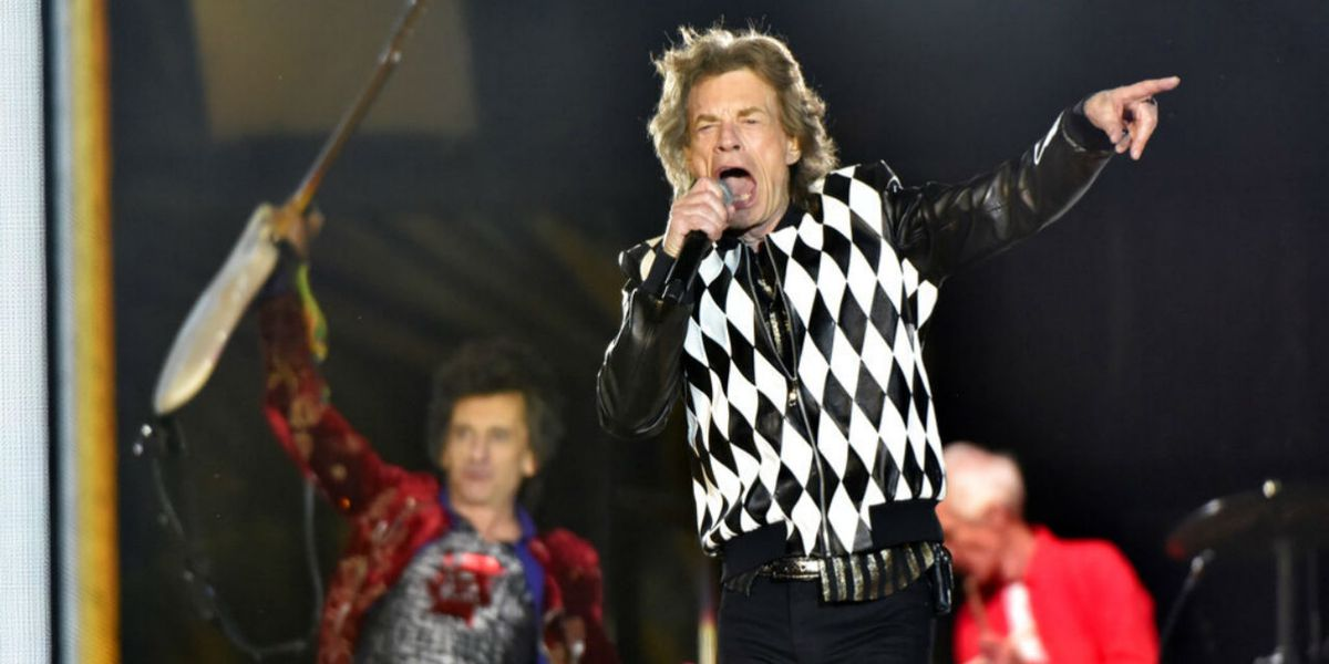Mick Jagger energetic in Rolling Stones tour debut