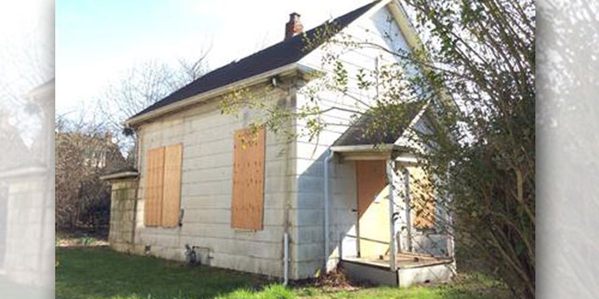 Boarded-up Seattle house listed as 'hot' buy for nearly $600,000